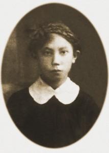 4 YoungJadzia1920
